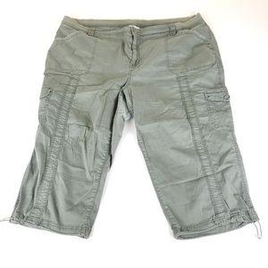 Style & Co Women's Green Capri Pants Size 24 B161